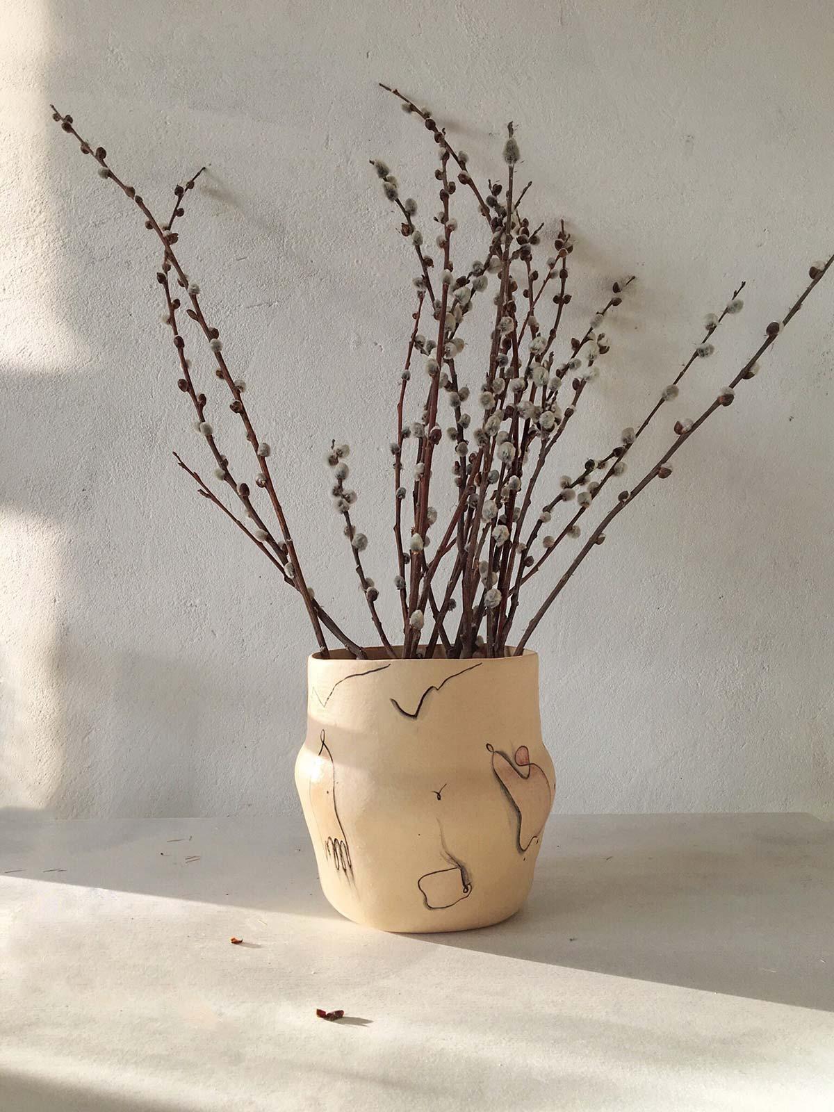 Flowerpot for flowers from ceramics