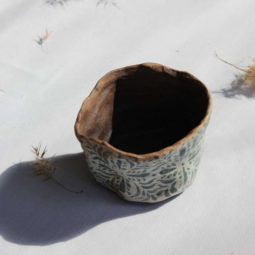 Front view - Decorative pot for flowers (Handmade)