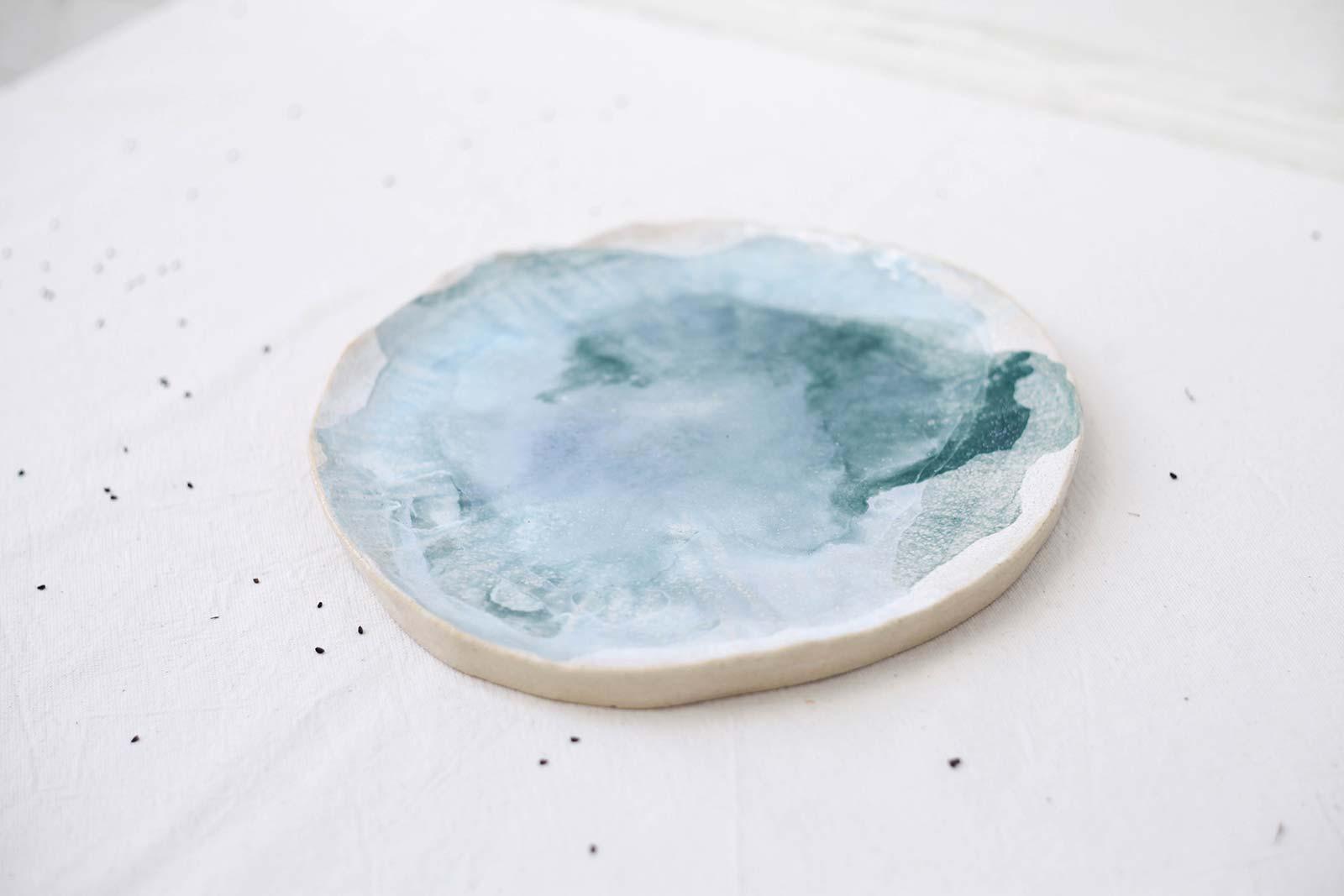 Вигляд спереду - Велика декоративна тарілка з кераміки (Ручна робота)