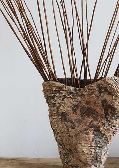 Художня кераміка: Вази та кашпо ручної роботи