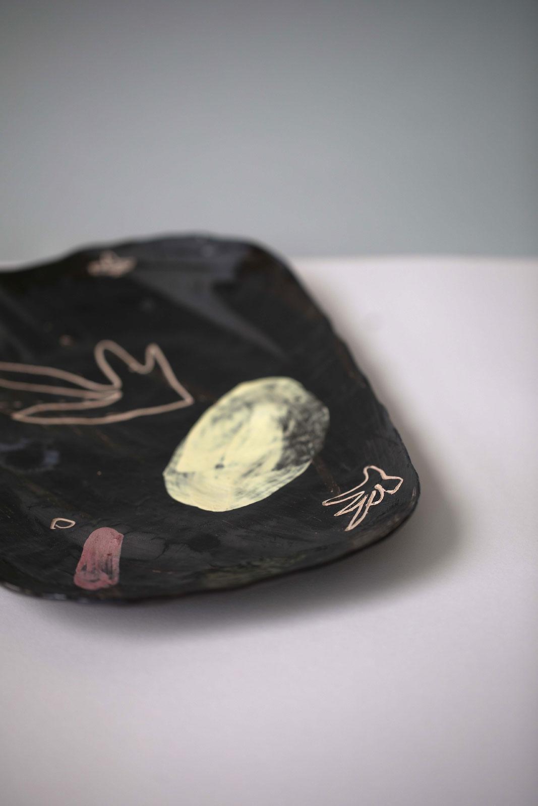 Декоративна тарілка з кераміки - Набір «Невимушеність» (Ручна робота)