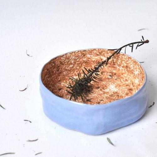 Вид спереду - Велика глибока керамічна тарілка (Ручна робота)