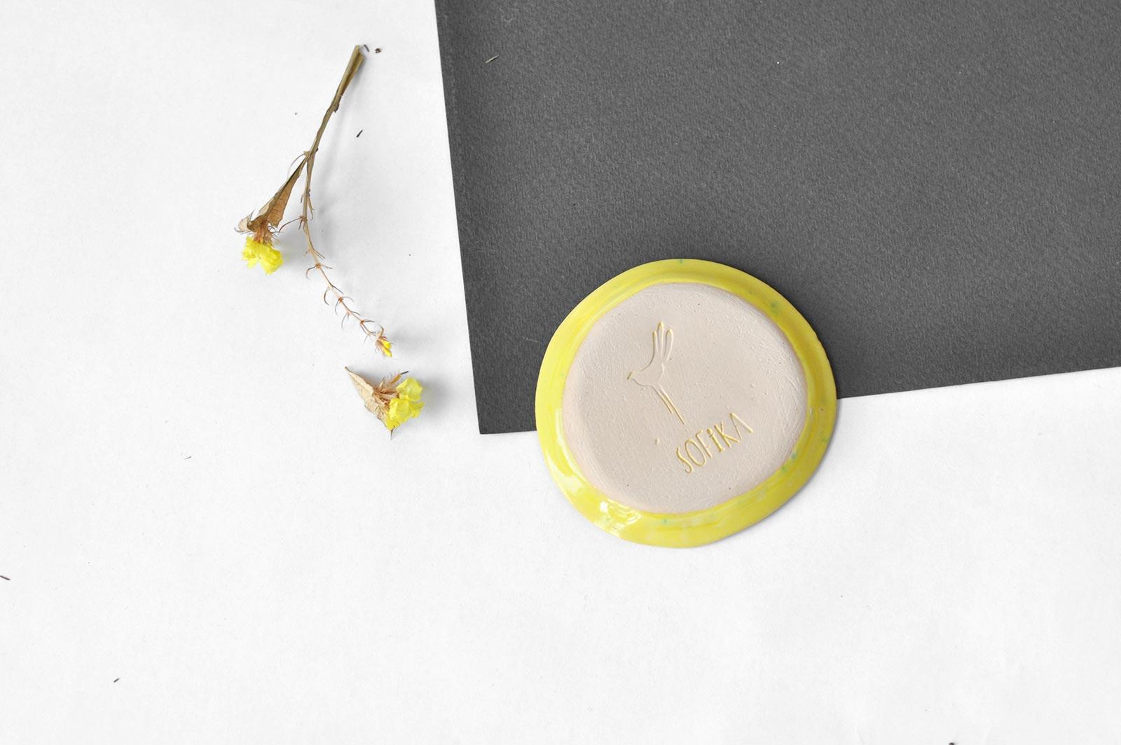 Вид ззаду - Декоративний стакан з блюдцем (Ручна робота)