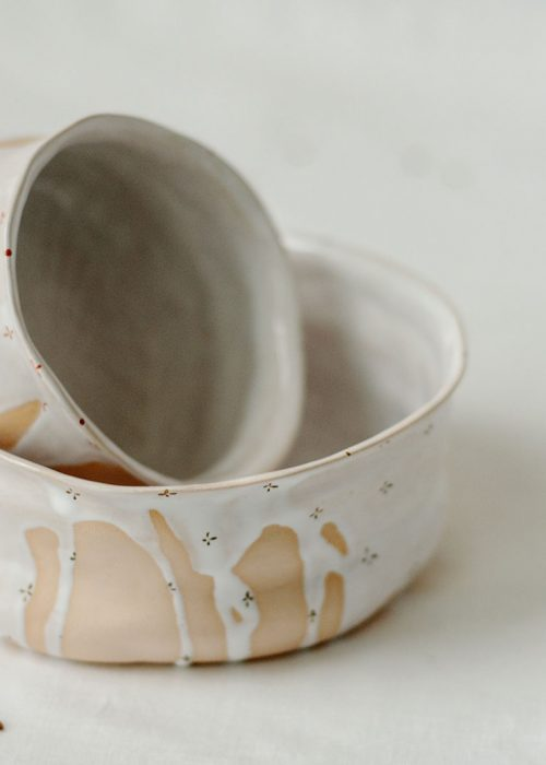 Декоративная тарелка и пиала из керамики - Коллекция «Цветы с молоком» (Ручная работа)