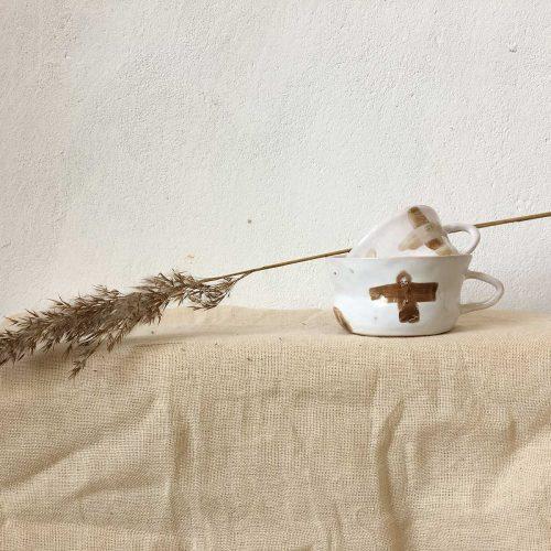 Чашки и стакан из колекции «Крестики и нолики»