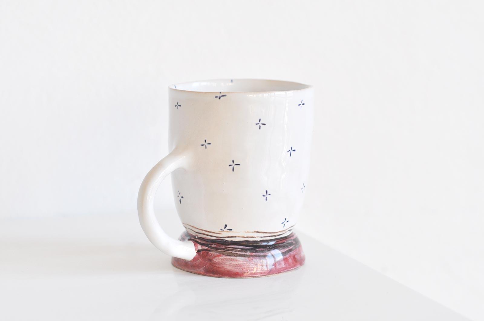 Вид сбоку - Чайная чашка из керамики (Ручная работа)