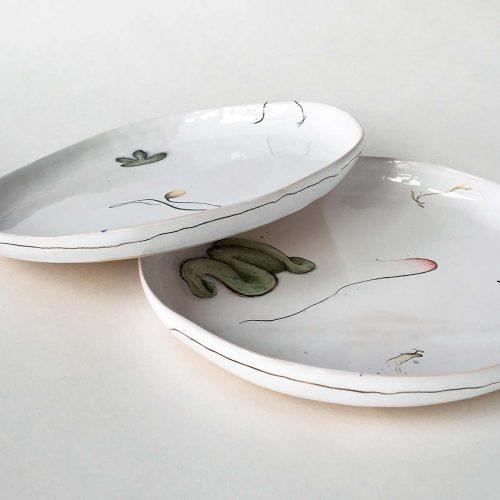 Плоские тарелки - вид сбоку