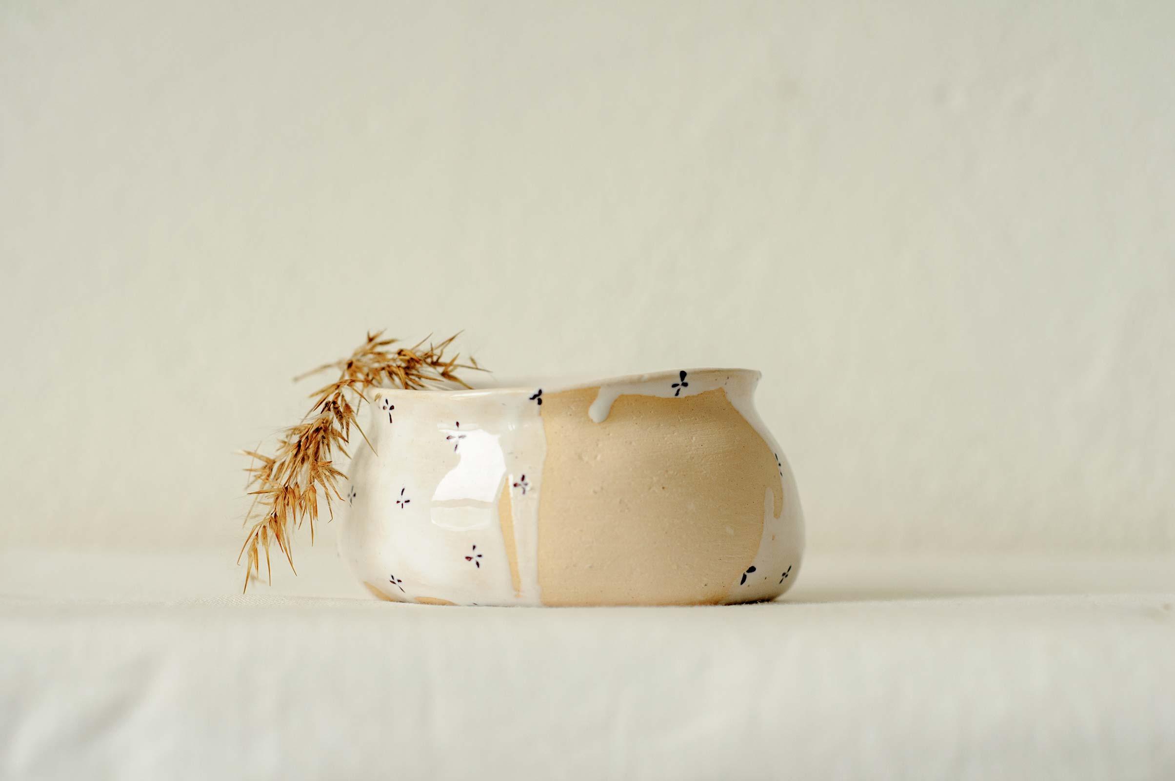 Вид сбоку - Маленькая керамическая пиала (Ручная работа)