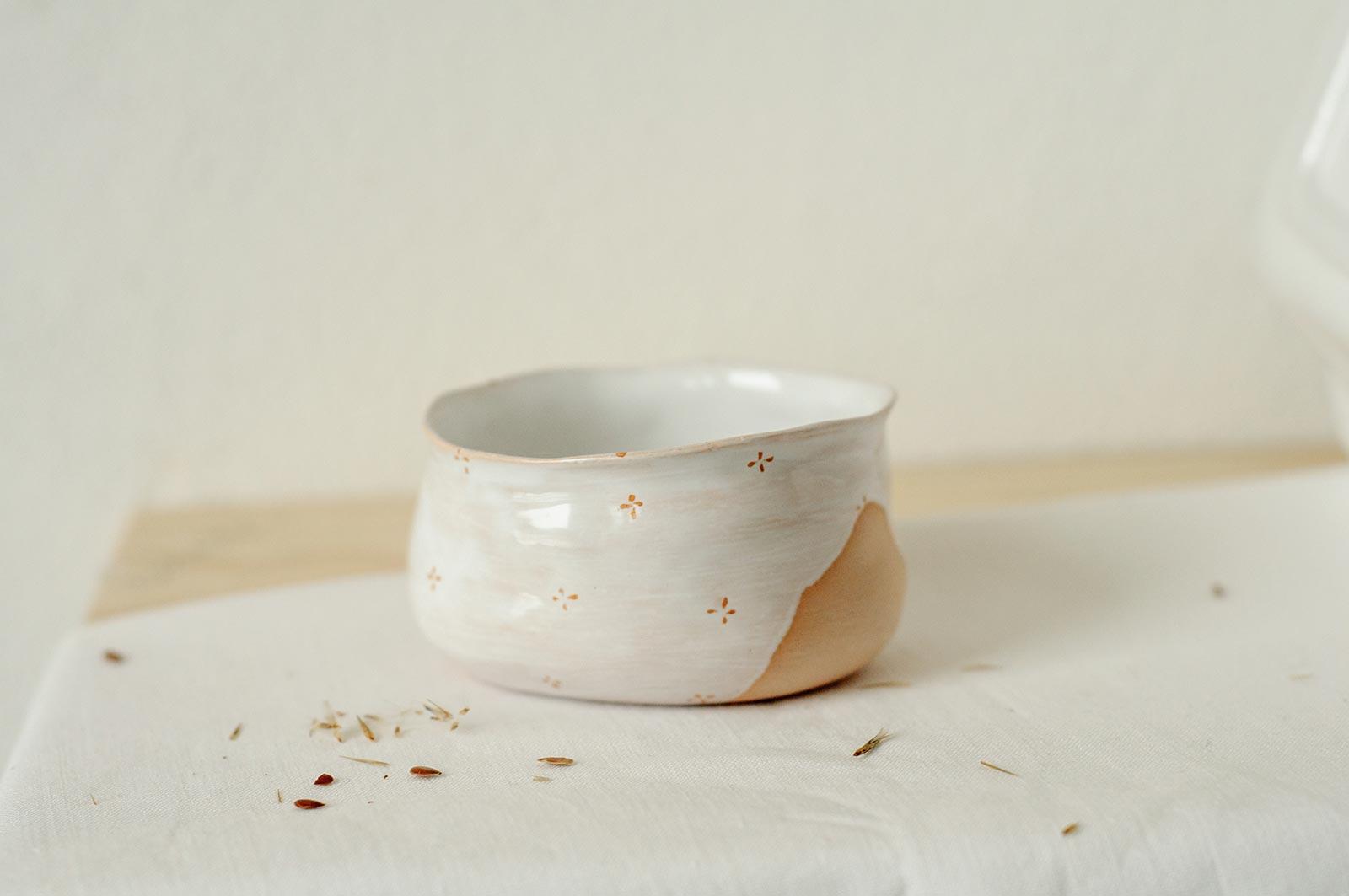 Пиала «Цветы с молоком» из керамики (Ручная работа)