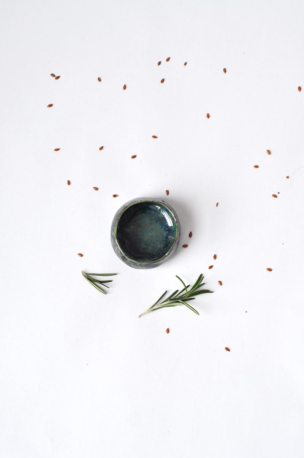 Вид спереди - Декоративный керамический соусник (Ручная работа)
