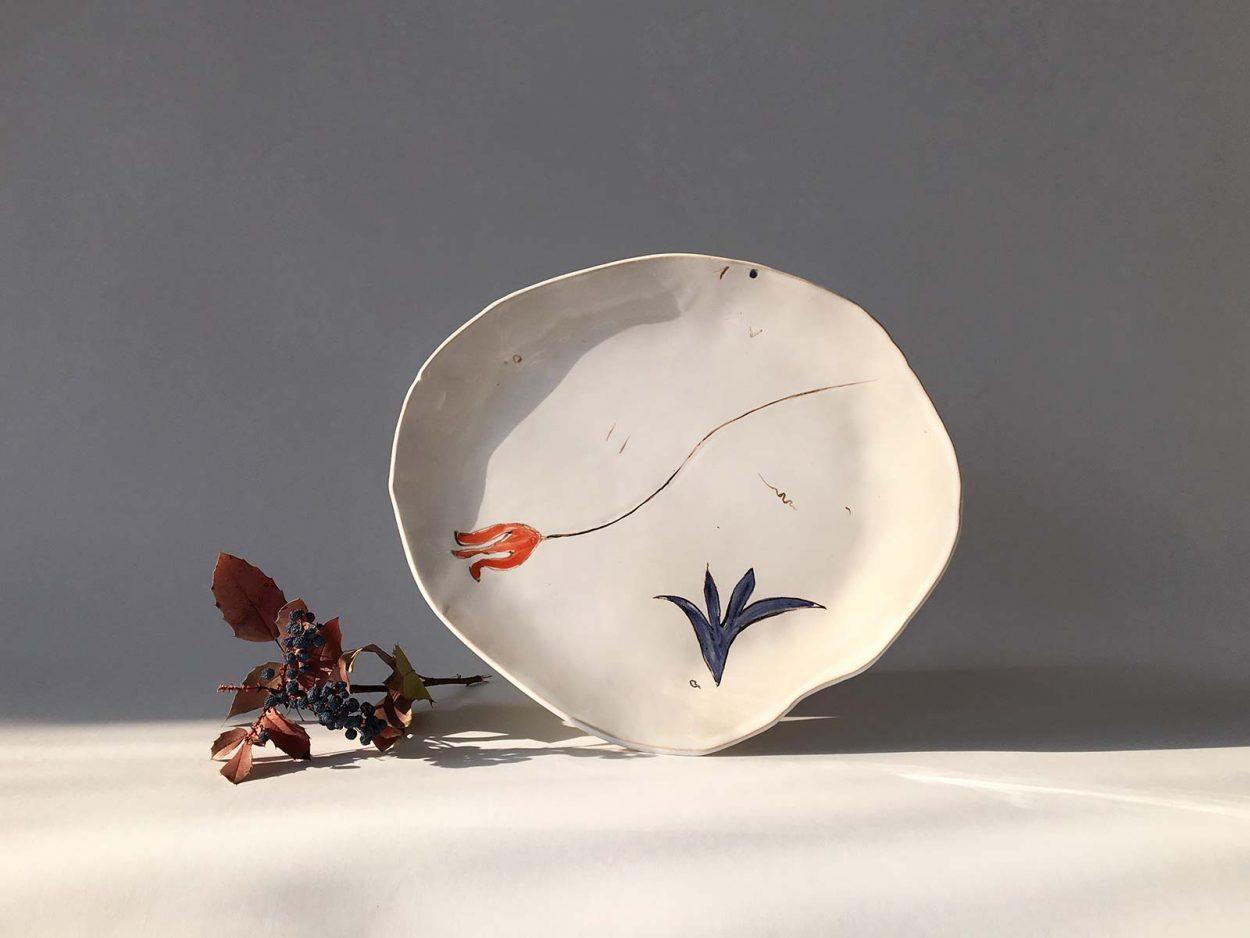 Керамическая тарелка ручной работы «Композиция № 4»