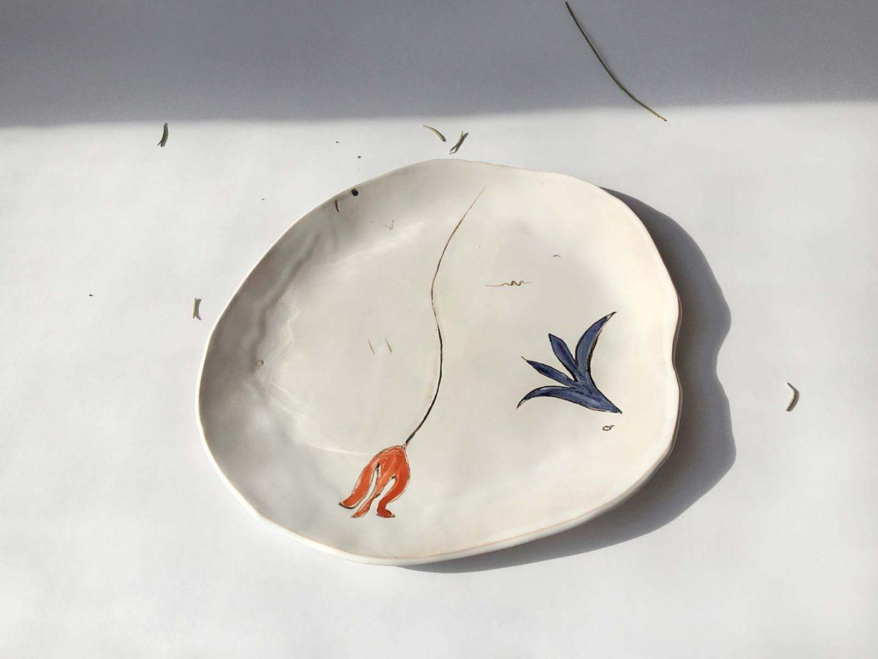 Вид сверху - Тарелка из керамики «Композиция № 4»