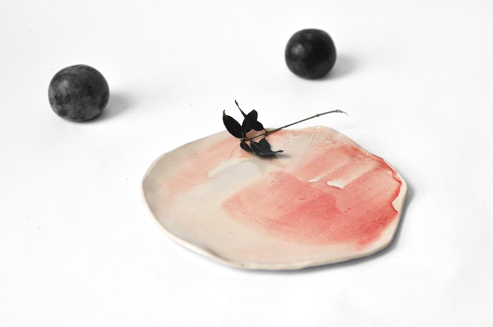 Декор - Плоская декоративная тарелка из керамики