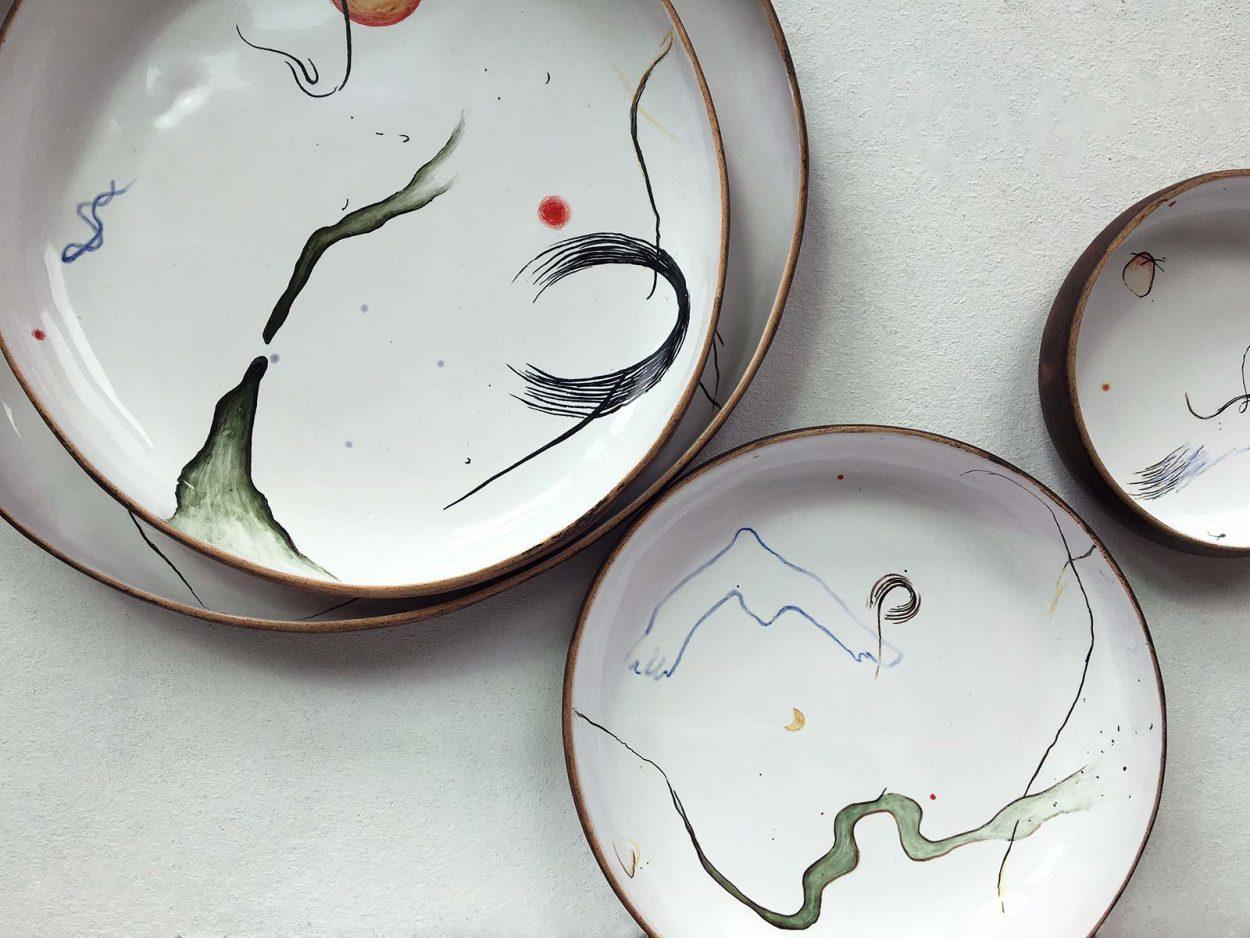 Набор керамических тарелок ручной работы с художественным рисунком - коллекция «Космичность»