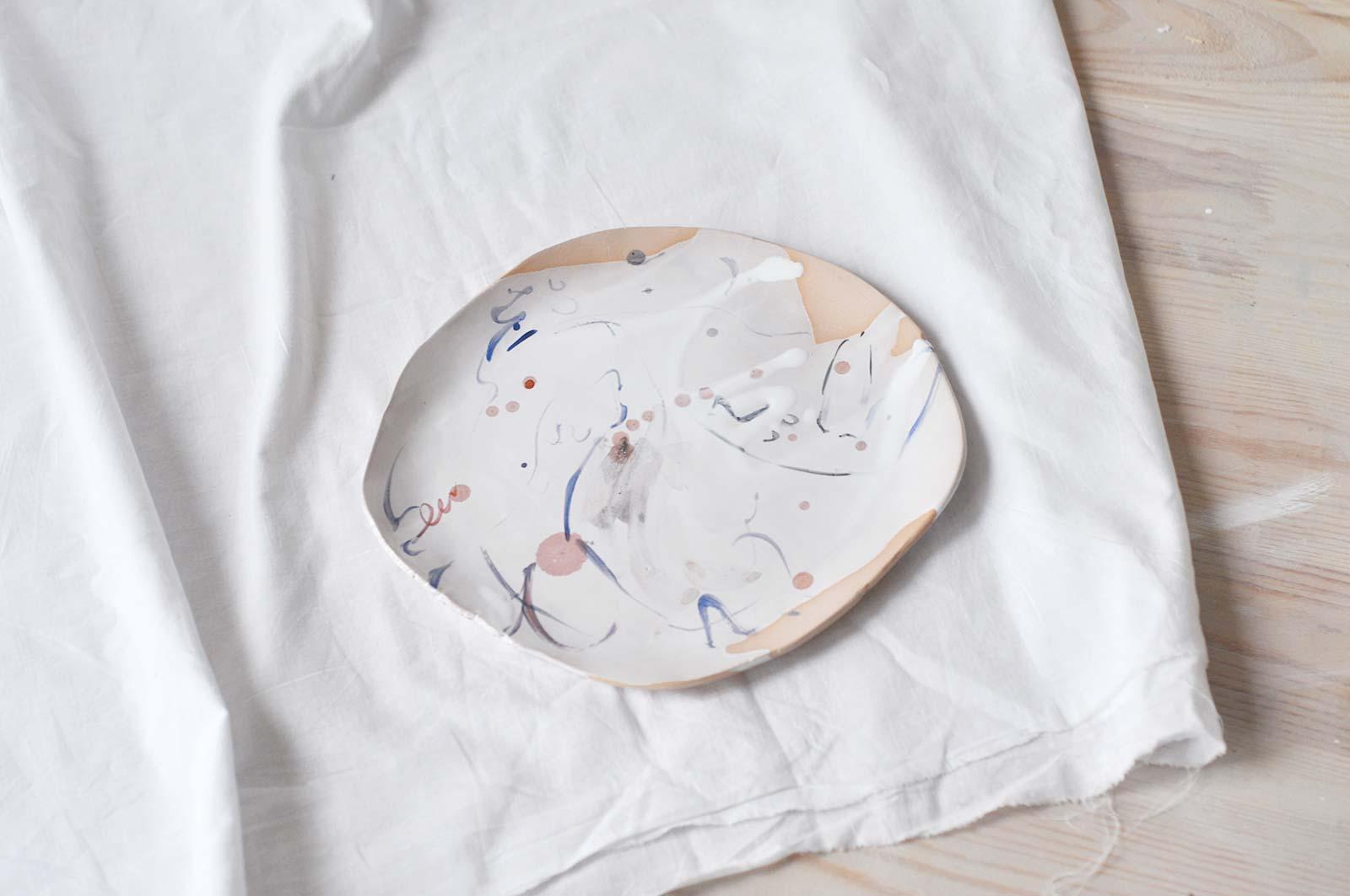 Вид спереди - Декоративная тарелка (Ручная работа)