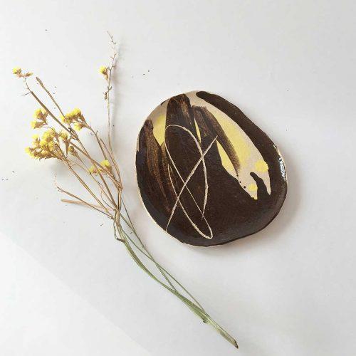 Вид спереди - Плоская декоративная тарелка (Ручная работа)