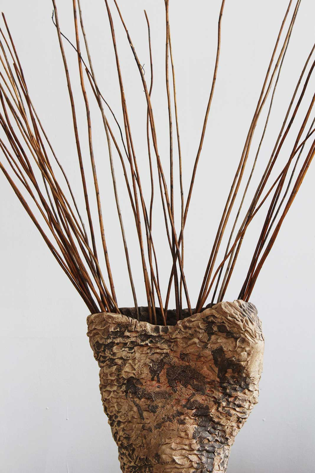 Вид сзади - Большая декоративная ваза из керамики (Ручная работа)