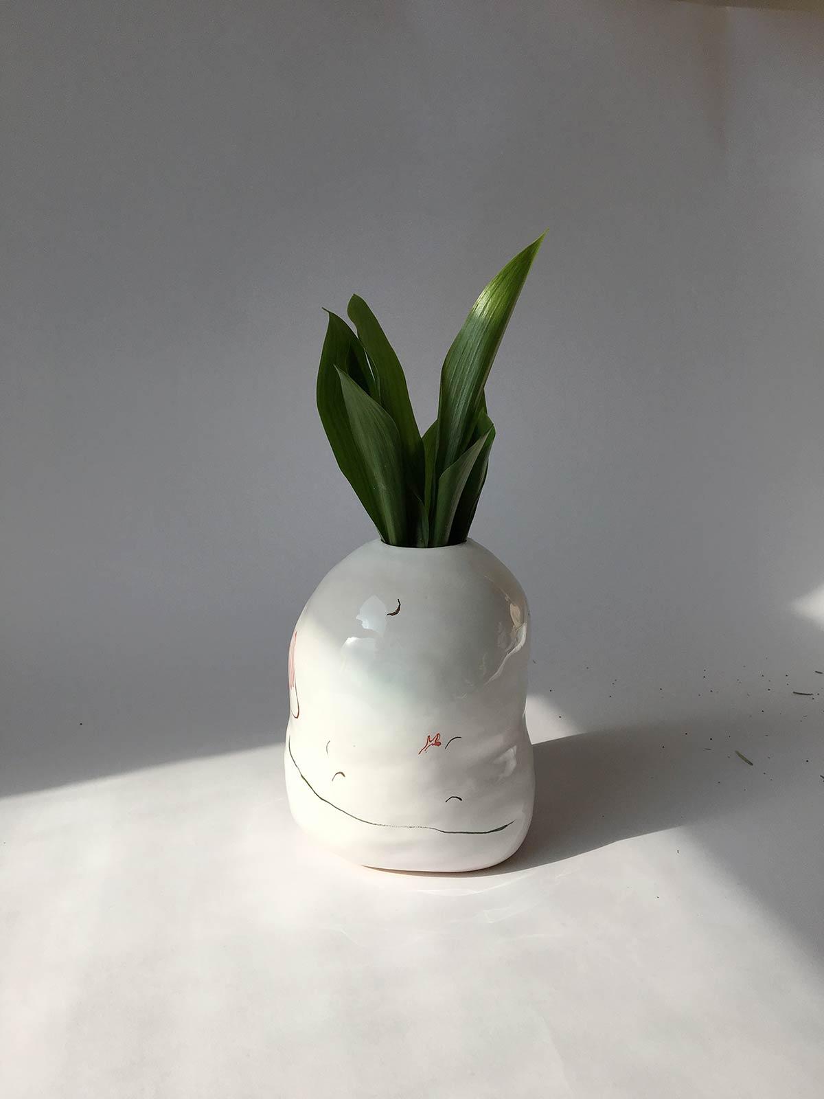 Вид сбоку - Декоративная ваза для цветов (Ручная работа)