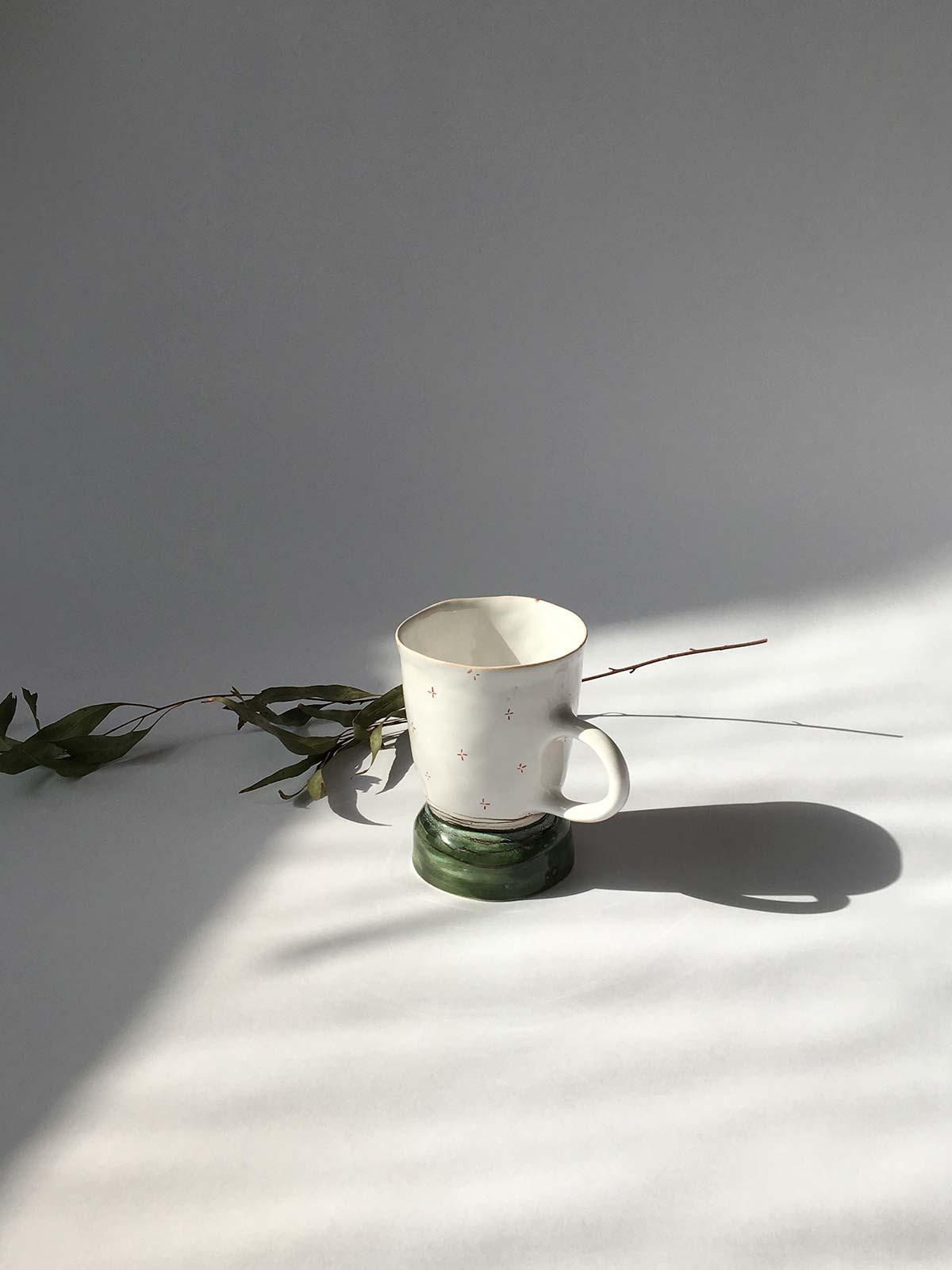Вид сбоку - Керамическая чайная чашка (Ручная работа)