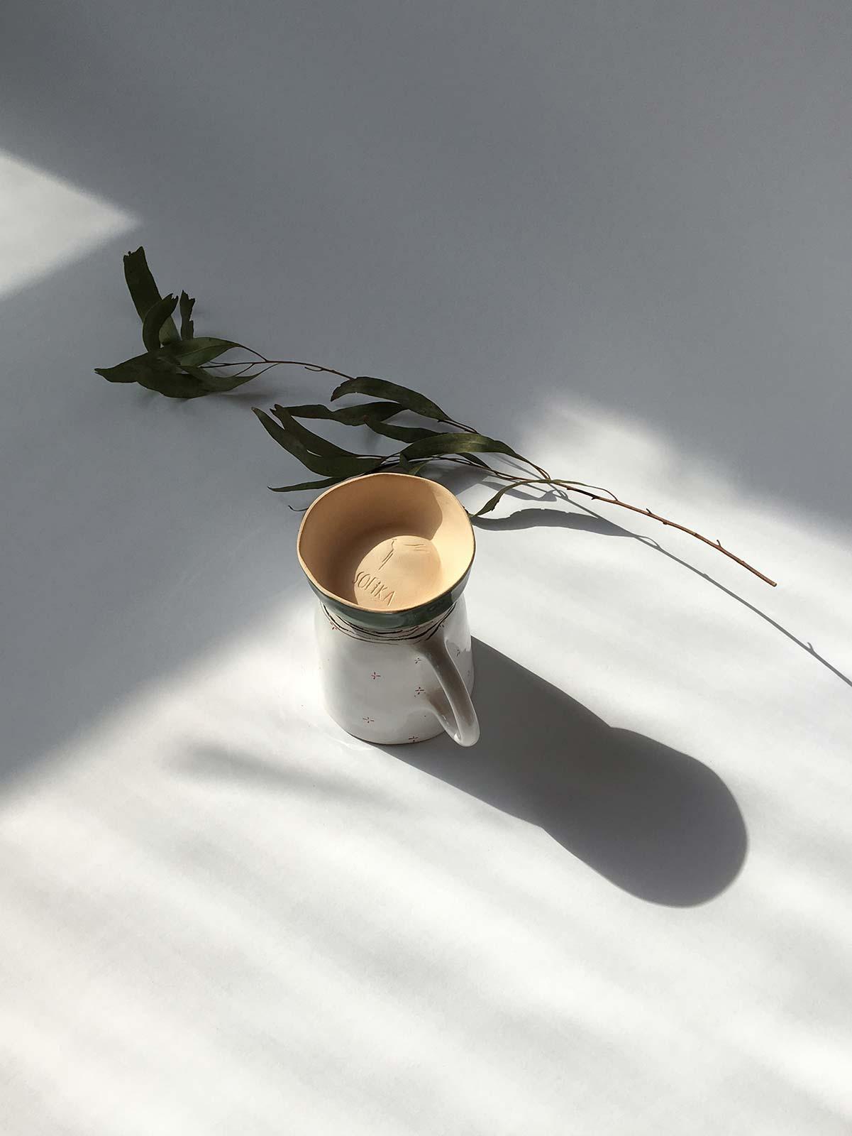 Вид сзади - Керамическая чайная чашка (Ручная работа)