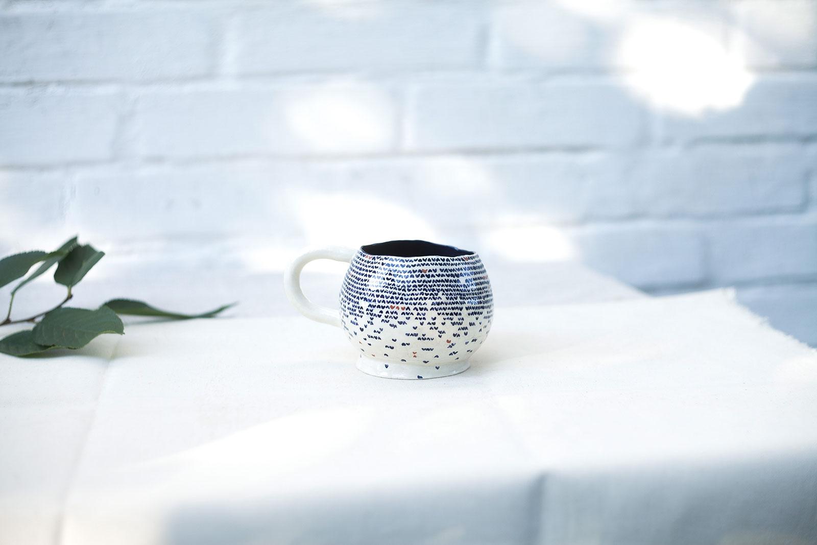 Вид сбоку - Большая декоративная чайная чашка (Ручная работа)