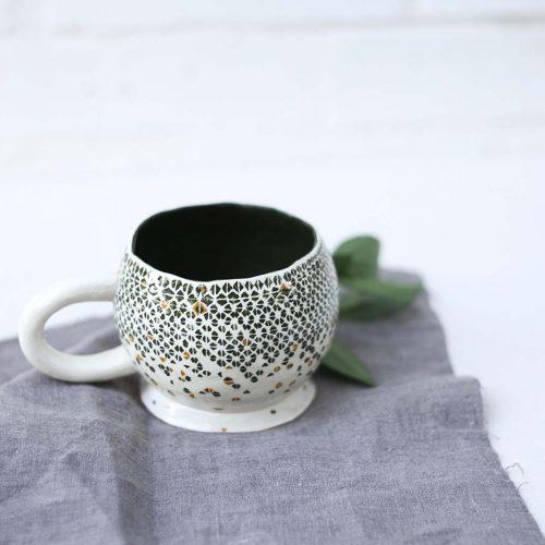 Вид сбоку - Большая керамическая чашка для чая (Ручная работа)