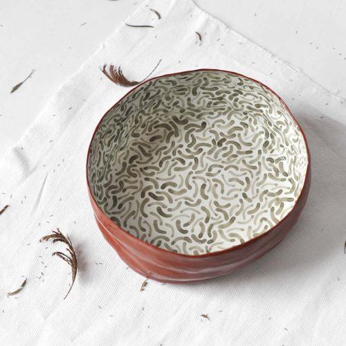 Вид спереди - Большая глубокая тарелка из из керамики (Ручная работа)
