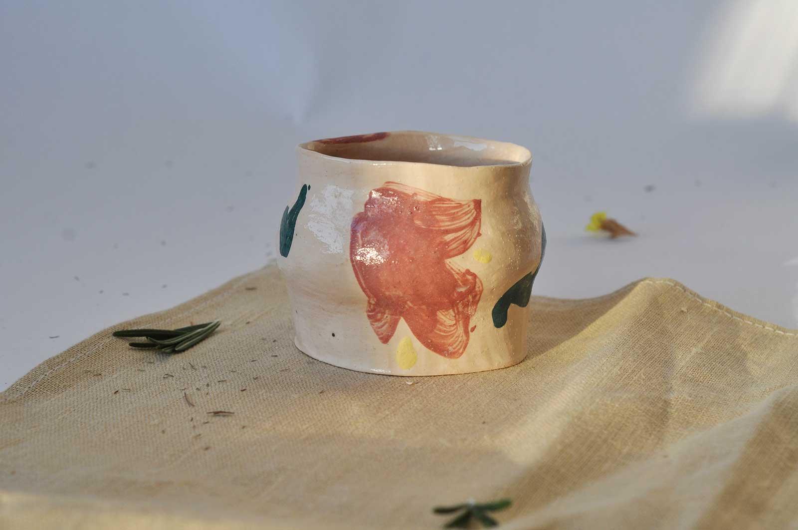 Вид сбоку - Декоративный стакан «Непринужденность №2» (Ручная работа)